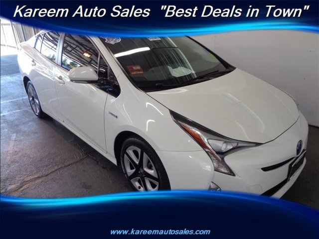 Pre-Owned 2017 Toyota Prius Three Touring