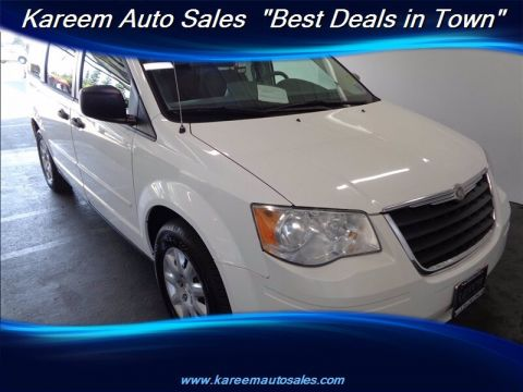 Pre-Owned 2008 Chrysler Town & Country LX